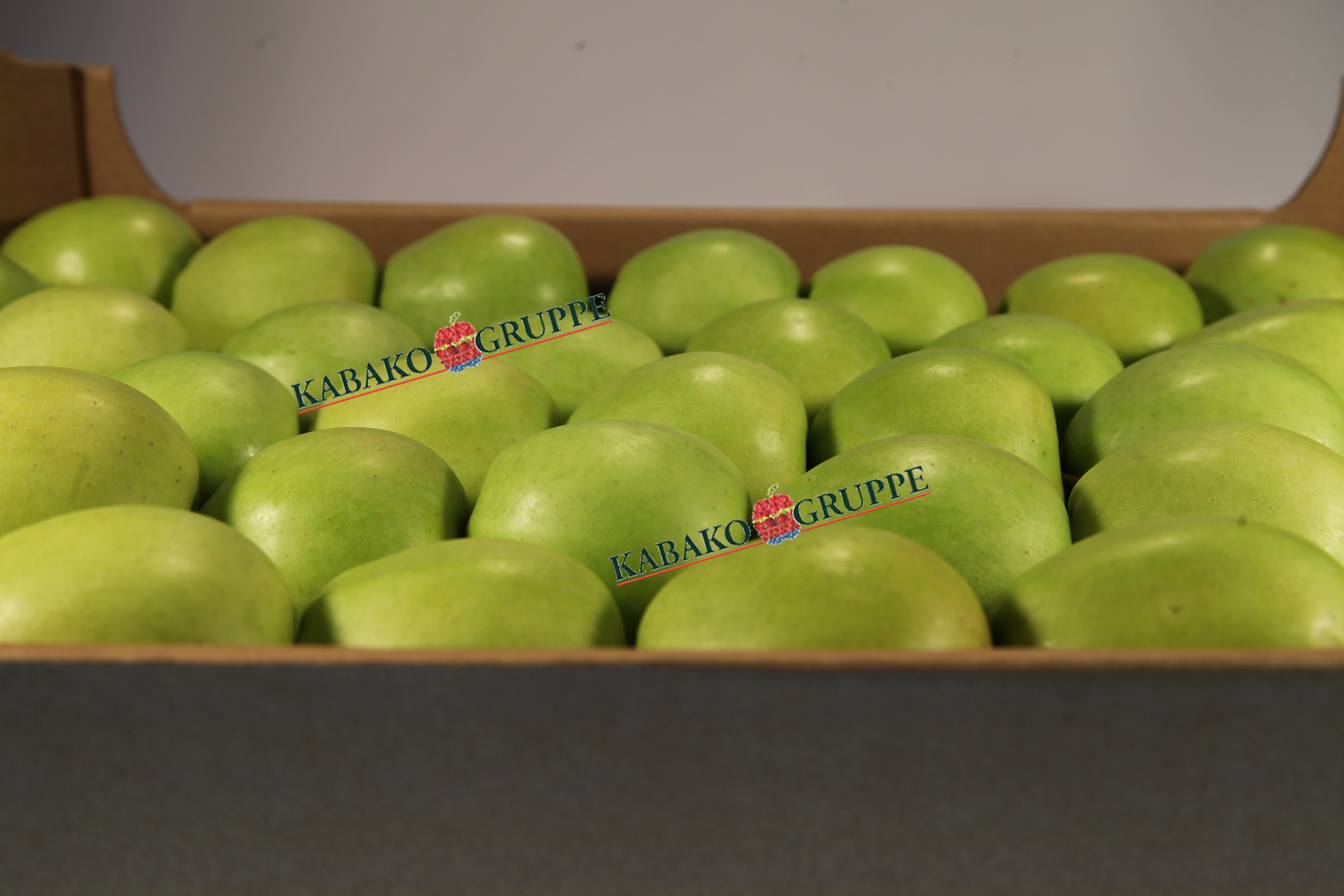 Frozen (IQF) Apples 67