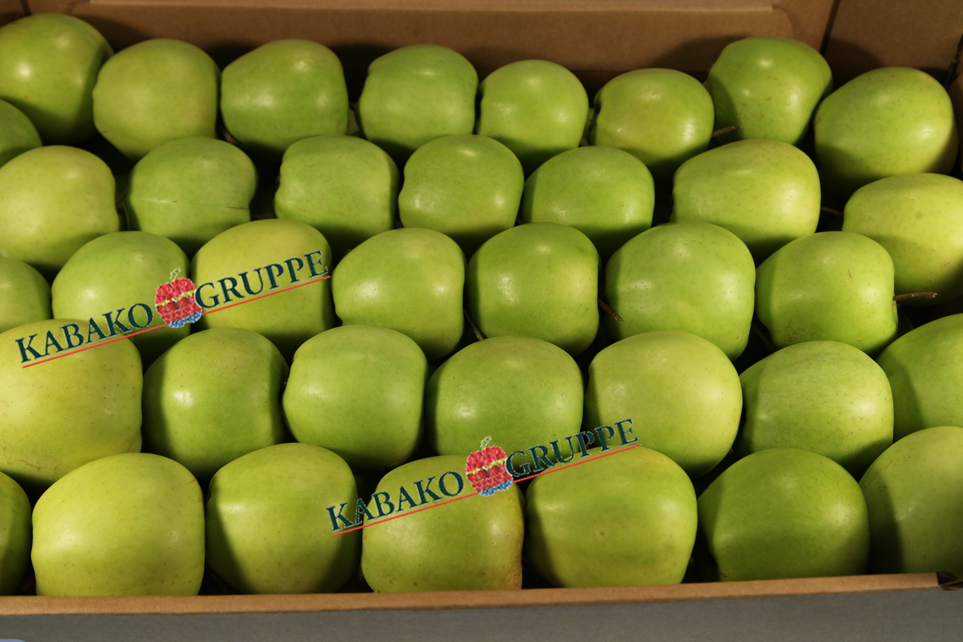 Frozen (IQF) Apples 64